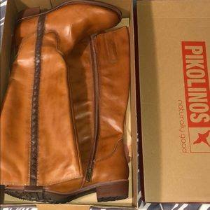 New in box! Pikolinos boots